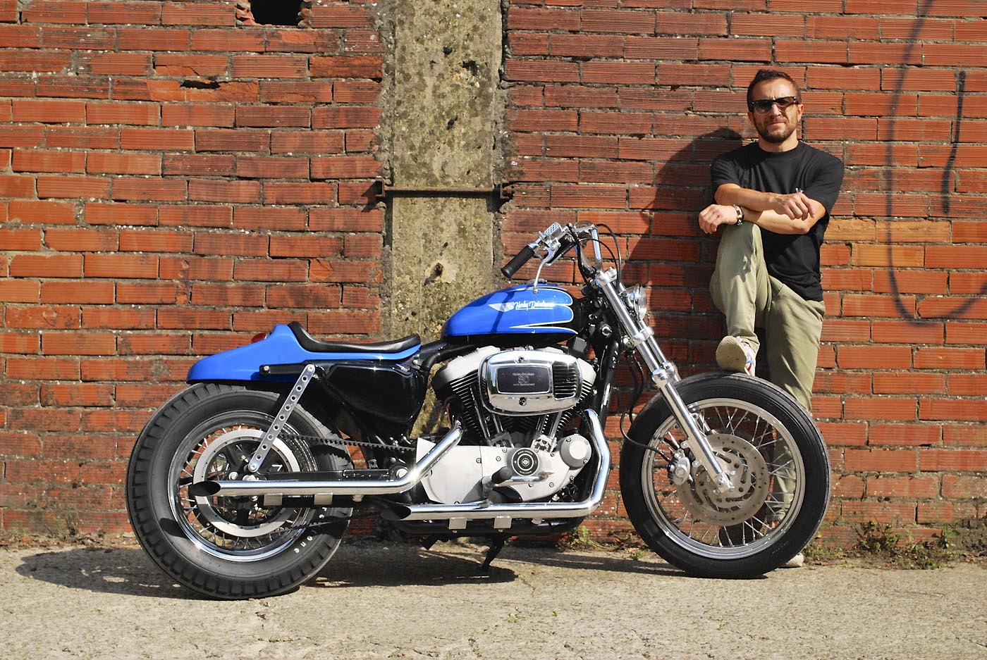 Custom Bikes Sportster 1200 Roadster